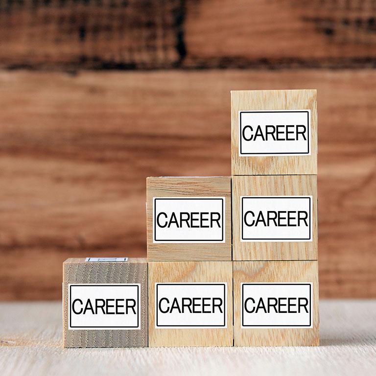 中盤(介護福祉士取得後)のキャリア